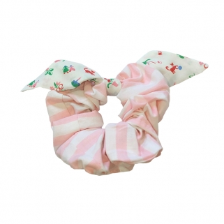 Large pink stripes scrunchy