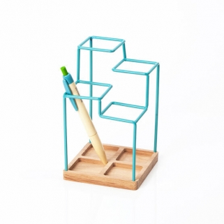 Sketch desk tidy